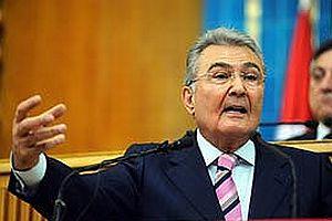 CHP lideri Baykal, Şahin'i kutladı.13470