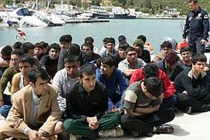 Ayvalık'ta 26 kaçak yakalandı.21555