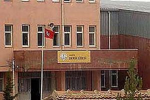 PKK sempatizani lise öğrencileri teğmenle tartıştı.18243