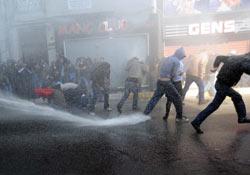 Pangaltı'da polisle göstericiler arasında gerginlik FOTO .9626