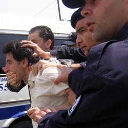 Başbakan'la görüşmek isteyen sendikacılara gözaltı.10701