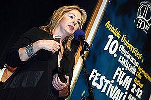 Hale Soygazi ve Tarık Akan'a ödül.20086