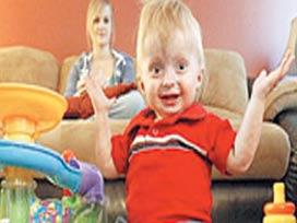 15 aylık Zach hastalığıyla tıp dünyasını seferber etti.11943