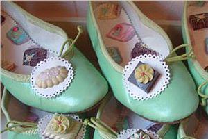 Çikolatalı ayakkabı!.15599