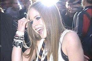 Avril Lavigne sesini kaybetti.16601
