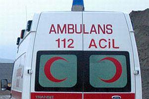 Ambulans kaza yaptı: 4 yaralı.13457