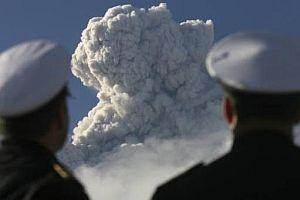 Şili'de faaliyete geçen yanardağ büyük korku yarattı.8356
