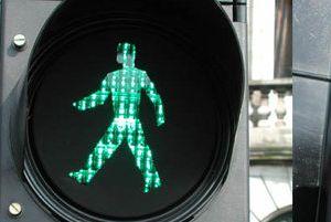 İsveç'te trafik işaretlerine kadın figürü.11882