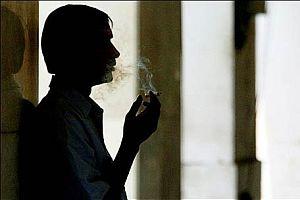 Türkiye'de sigarayı en çok esnaf, işsiz ve memur içiyor.9482