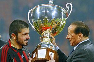 Berlusconi AC Milan'ı bıraktı.17290