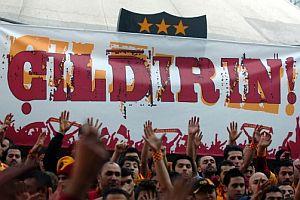 Galatasaray'ın müzik albümü kapış kapış.19937