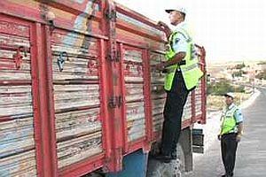 TEM'de bir kamyondan 91 kilo esrar çıktı.18777