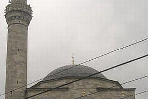 Firuzağa Camii'nin minaresi neden ters tarafta?.9164