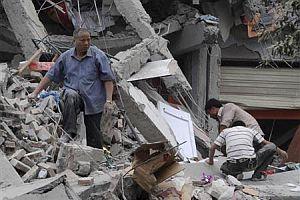 Çin'de 18 bin kişi enkaz altında!.21662