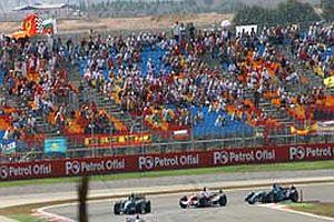 İstanbul Park'taki 4. yarışta seyirci potansiyeli düştü.22773
