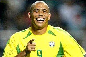 Ronaldo'ya göbek uyarısı!.14182