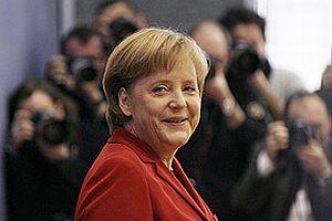 Almanya Başbakanı Merkel döner kesti.13276