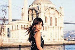 Monica Cruz'un İstanbul keyfi.14990