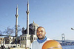 El Amin imam olmak istemiş.13016