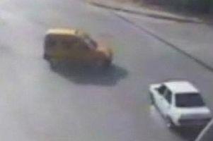 4 ki�inin yaraland��� kaza.5303