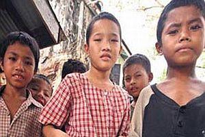 Myanmar'da �ocuk tacirleri yetim �ocuklar� ka��r�yor.19028