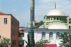 Milliyet, İHL'nin yanındaki camiye anlam veremedi.14363