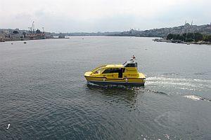 �stanbul'da ilk deniz taksi suya indi.12176