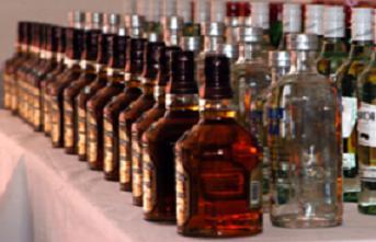 Hindistan'da Sahte içki 150 can aldı.16562