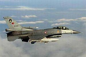 Türk uçaklarına Yunan tacizi.9810