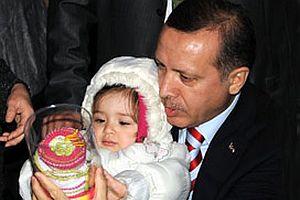 Başbakan Erdoğan'ın 3 çocuk ısrarının sırrı çözüldü.14400