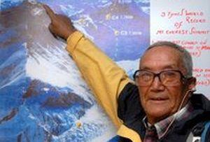 76 yaşında adam Everest'e çıktı.14232