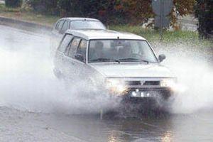 Konya'da sağnak yağış etkili oldu.10775