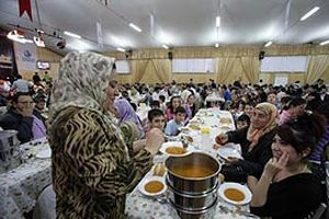 4 kişilik ailenin açlık sınırı 720 YTL olarak hesaplandı.19635