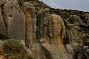 Kiliseye düşen kaya işçiyi öldürdü.13624