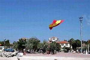 G.Saray bayrağı göndere çekildi.13928