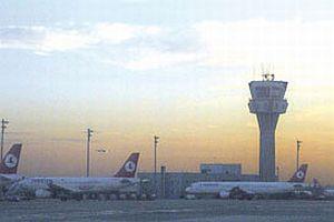 Atatürk Havalimanı'nda yoğun trafik.8526