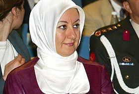 Hayrünnisa Gül'e hakaret eden Som'a ceza!.13808