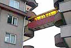 Balkondan balkona köprü.11271