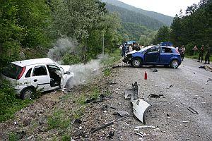 Yurt genelinde meydana gelen kazalarda 16 kişi öldü.24128