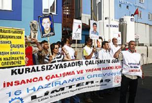 Tersane önünde işçi ölümlerine tabutlu protesto.21125