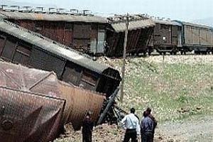 Trene mayınlı saldırı: 3 yaralı.20113
