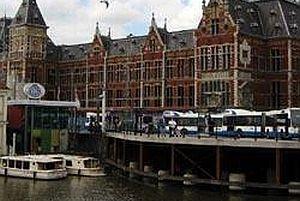 Hollanda yeni göçmenlere kapılarını açıyor.18990