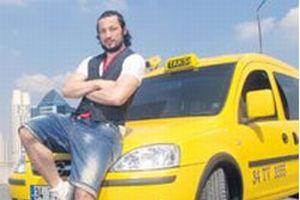 İlhan Mansız taksici oldu.11961