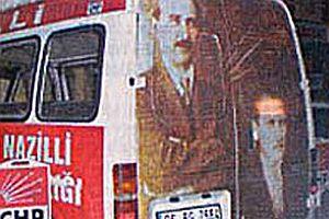 CHP otobüsünde Atatürk, İnönü'den aşağıya konuldu.18806