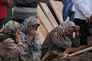 Srebrenica annelerinden BM ve Hollanda'ya dava.28597