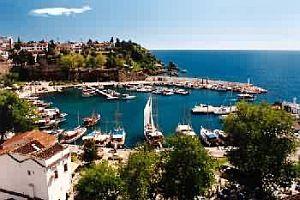 Antalya'ya gelen turist sayısı düşüyor.20277