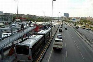 Metrobüse yoğun ilgi!.14791