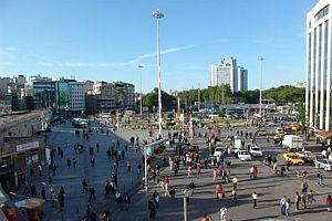 Taksim'de hayat normale döndü.18215