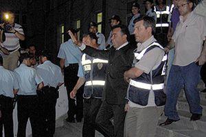 CHP'li Belediye Başkanı Ersin tutuklandı.15776