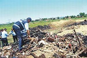 Tersane atıkları araziye gömülmüş.18391
